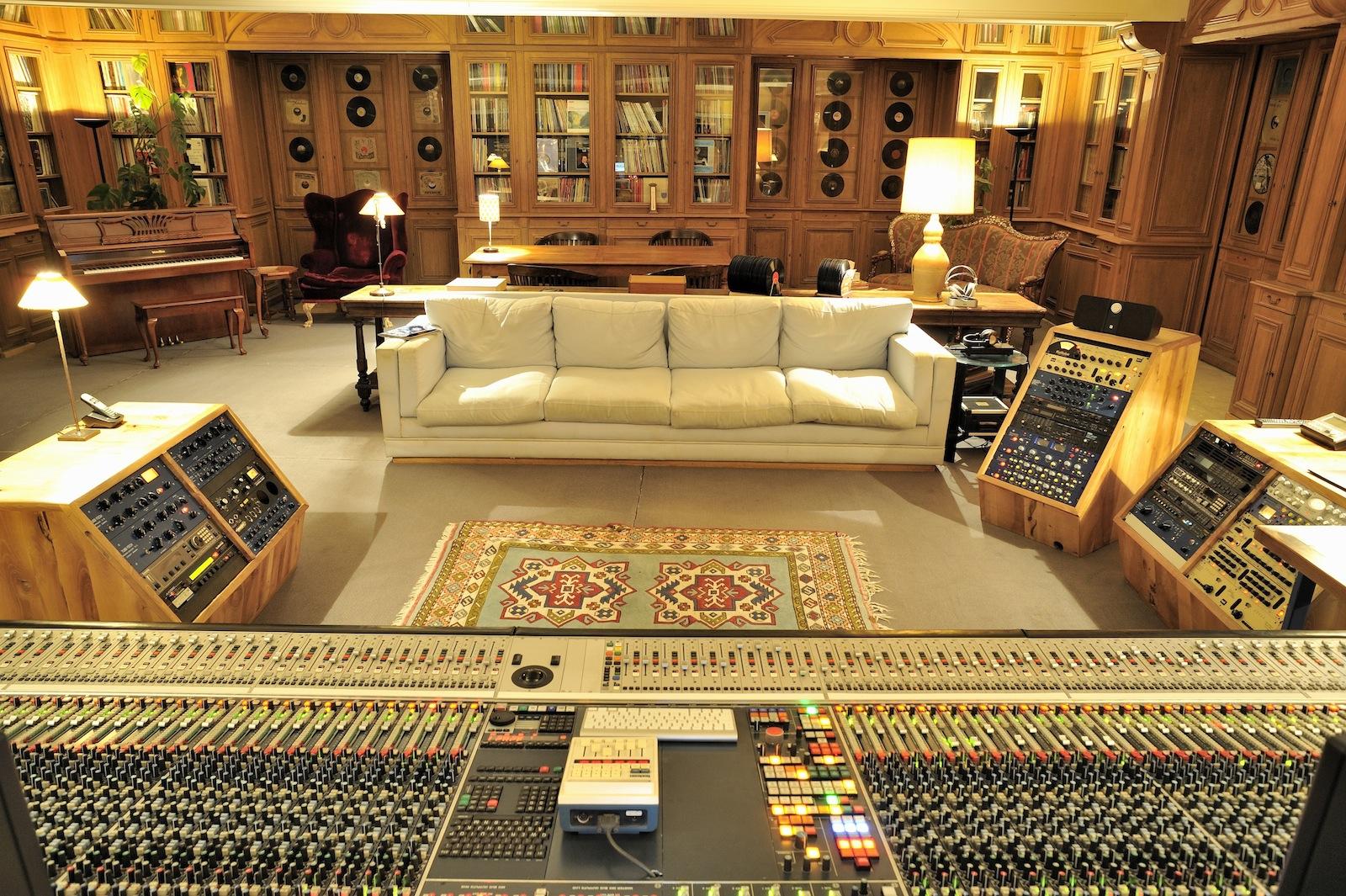La Fabrique Studio Image Gallery Miloco Studios