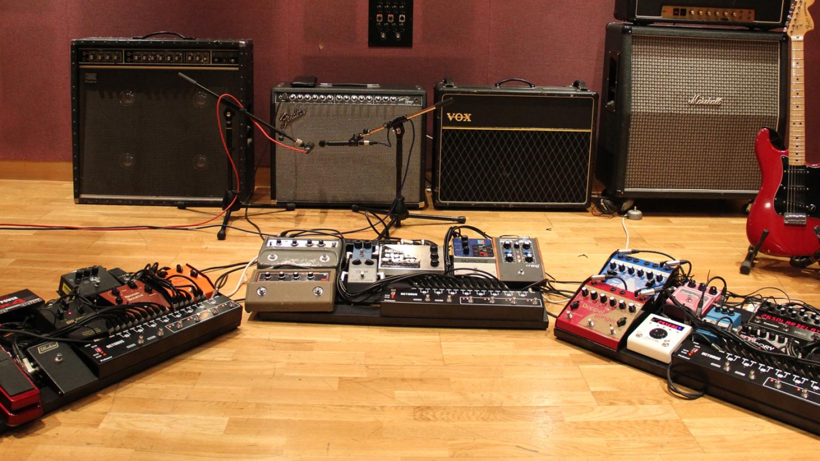 livingston studio 2 guitar pedals london recording studio. Black Bedroom Furniture Sets. Home Design Ideas