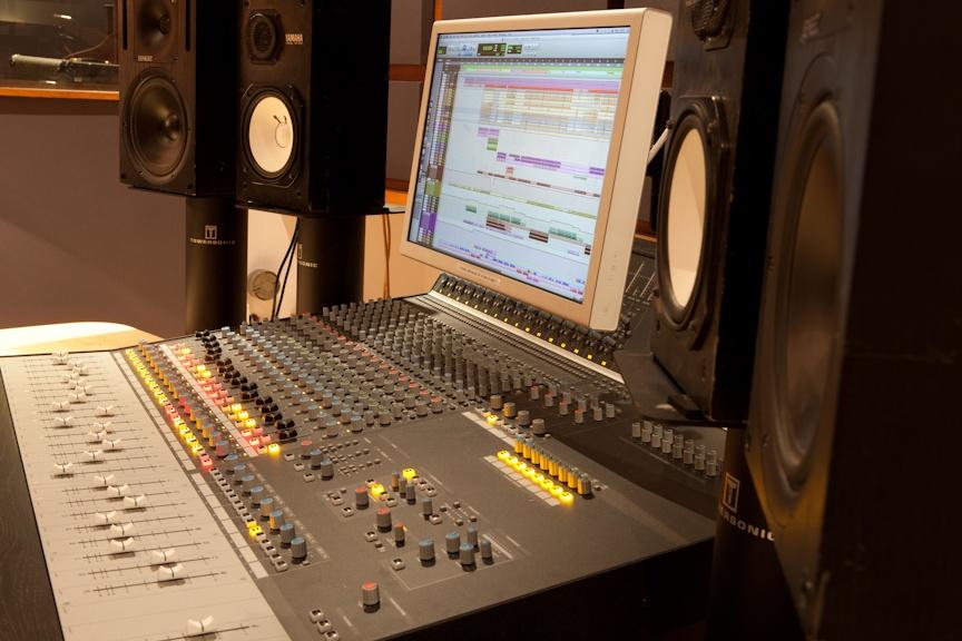 20 consoles for 20 london recording studios miloco blog. Black Bedroom Furniture Sets. Home Design Ideas